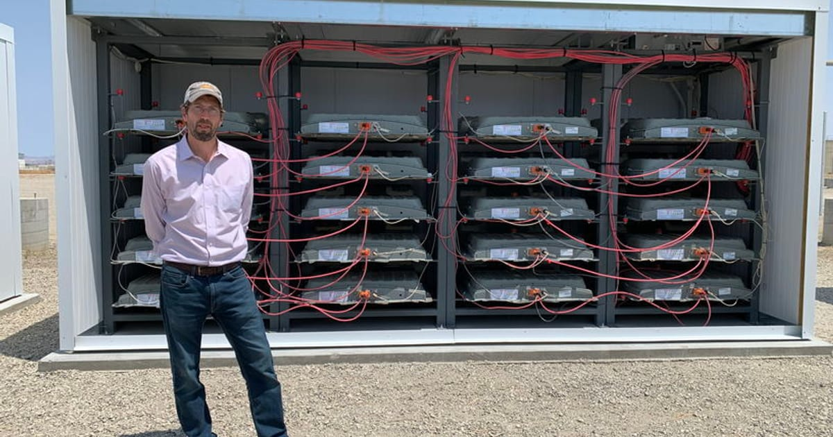 Used EV batteries are storing solar power at grid…